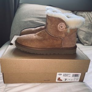 Mini Bailey Button UGGs (water-resistant)